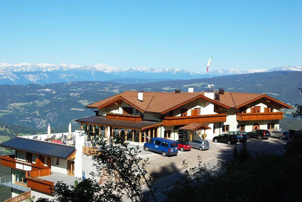 In the heart of the Dolomites: Our panorama hotel on the Alpe di Siusi