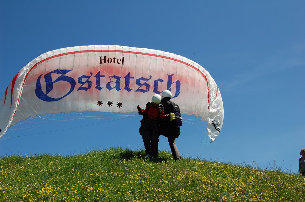 Heavenly feeling: paragliding above the Alpe di Siusi