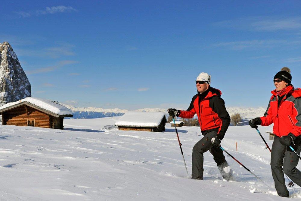 Beim Schneeschuhwandern eine Auszeit nehmen – Auf der Seiser Alm sind Sie am Ziel