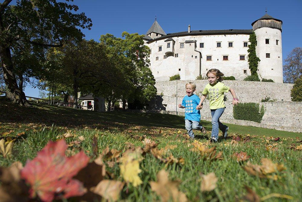 Völs & Schloss Prösels